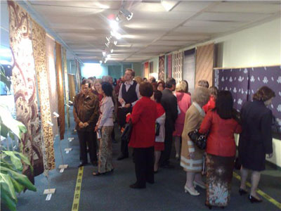 Exhibition of Obama's mom batik